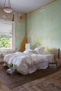 Annaleena white rectangle clothing rail. Styling Anna Flanders. Photography Angelita Bonetti. Credit to Pure Linen.